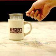 丸取っ手茶漉しは、お気に入りのマグカップに使えます!