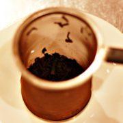 紅茶を使った先人の知恵 ~茶殻を上手に使う~