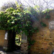 紅茶の国から:英国庭園とその中のカフェ&ティールーム [その1]