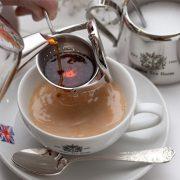 紅茶専門店のミルクティー